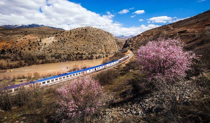 Istanbul Tabriz Train