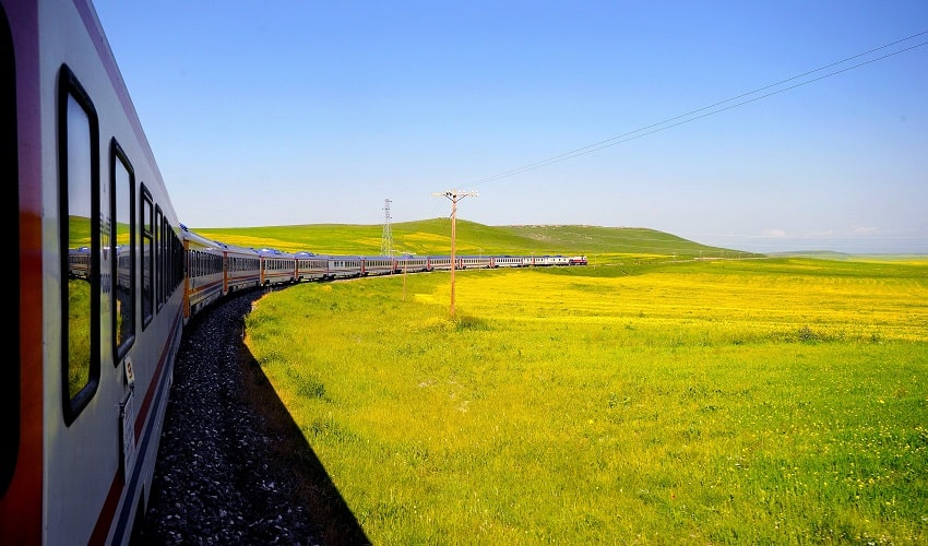 Van Tabriz Train