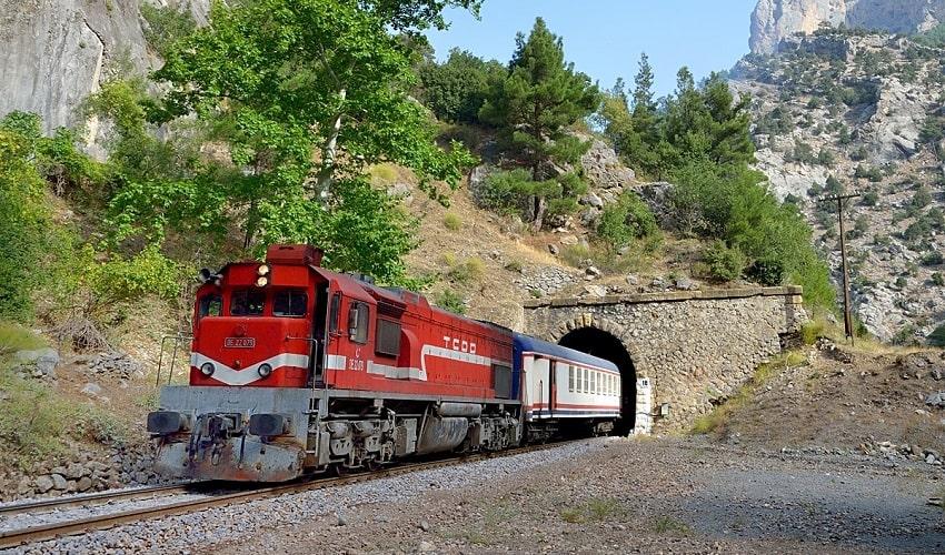 Van Tehran Train